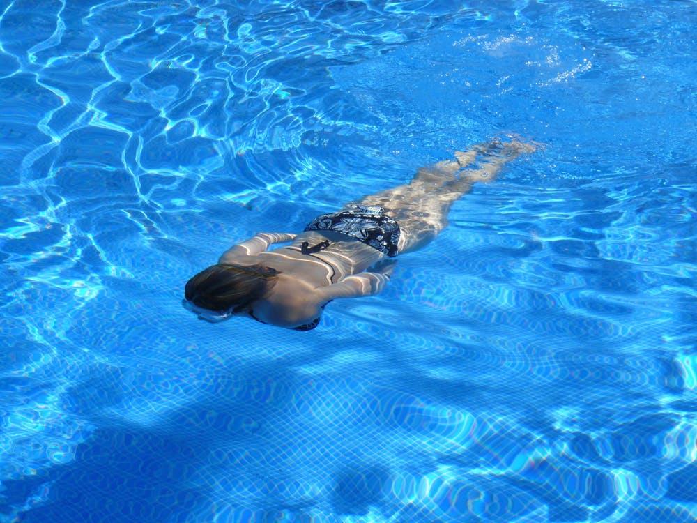 Should You Hire A Pool Maintenance Company